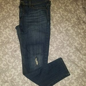 ~LEVI'S~ DISTRESSED RIPPED STITCHED ANKLE JEANS